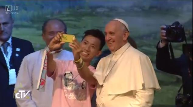 Stretnutie pápeža Františka s mladými Ázie