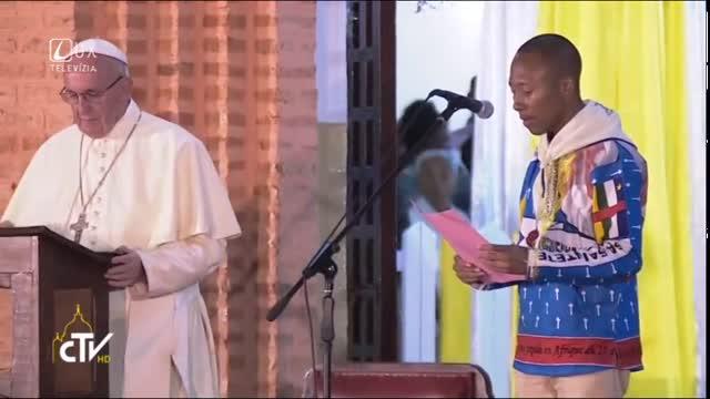 PÁPEŽ V AFRIKE - STREDOAFRICKÁ REPUBLIKA: Vigília s mladými