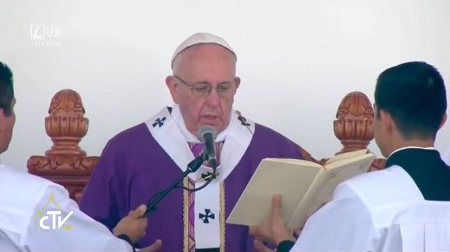 PÁPEŽ FRANTIŠEK V MEXIKU: Svätá omša so zasvätenými